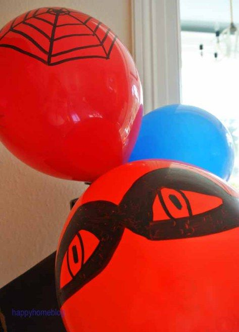 Deko für den Superhelden Geburtstag happyhomeblog Spiderman Batman Luftballon