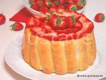 Charlotte aux fraises (fromage blanc, crème fleurette, biscuits à la cuiller...)