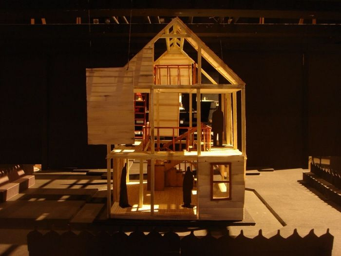 Death of a salesman house layout