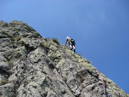 arrampicata sulla palestra di roccia all'Argimonia. Oasi Zegna, #Piemonte #Italy. www.oasizegna.com