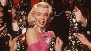 """CURIOSITA' Marylin Monroe cantava: """"i diamanti sono i migliori amici delle donne"""". Noi di Luxury Emotions vi chiediamo se oggi questa frase può essere ancora considerata valida. Dite la vostra! http://www.luxuryemotions.net/diamonds-are-girls-best-friend/"""