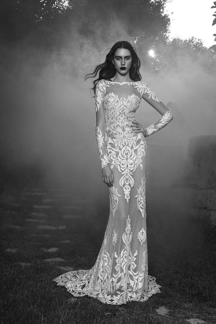 See the complete Zuhair Murad Bridal Fall 2016 collection. #zuhairmurad #fashion #bridal