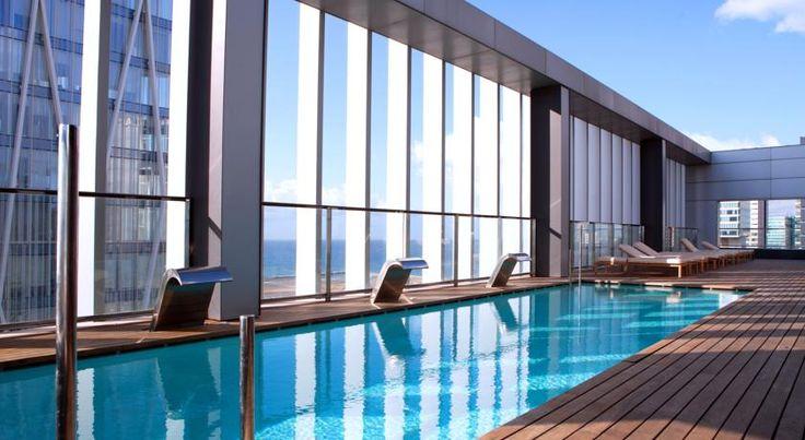 €137,70 L'Hotel SB Diagonal Zero Barcelona vous accueille en face du centre de conventions de Barcelone, à 5 minutes à pied de la plage.