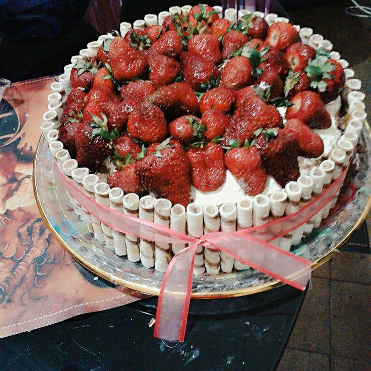 Torta #frutillas #cubanitos #birthday #cumpleaños