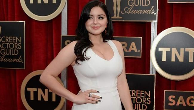 Ariel Winter Comes Out About Her Breast Reduction Surgery
