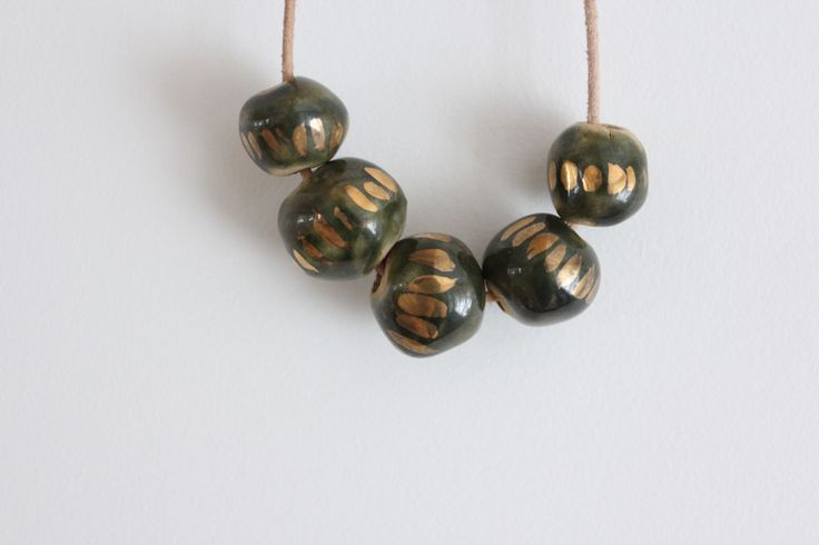 Gold Dash Green Necklace