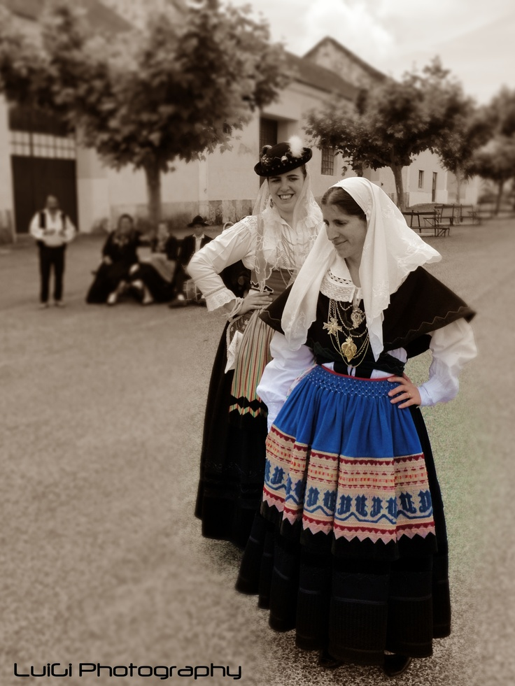 Another Portuguese folkloric costume