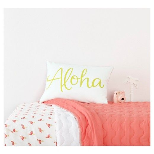 • Adorable pink flamingo pattern<br>• 170 thread count<br>• Soft, peached finish<br>• Lightweight & breathable polyester construction <br>• Includes: 1 fitted sheet, 1 flat sheet & 2 pillowcases (1 pillowcase included in twin size)<br>• Machine washable<br><br>The Flamingos Sheet Set from the Pillowfort Collection is as laidback as can be. These colorful kids' sheets boast a tropical fl...