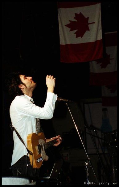 2007 performance ~ One of the greatest Canadian songwriters, musicians and producers ~ Daniel Victor Neverending White Lights