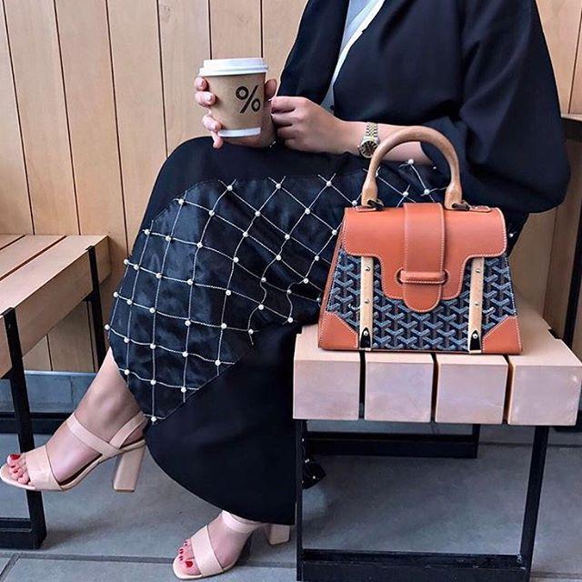 IG: Maitha.AlObeidli || IG: BeautiifulinBlack || Abaya Fashion ||