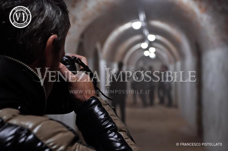 Matteo Bertolin [fotografo di scena].  Location: forte Carpenedo, Mestre.