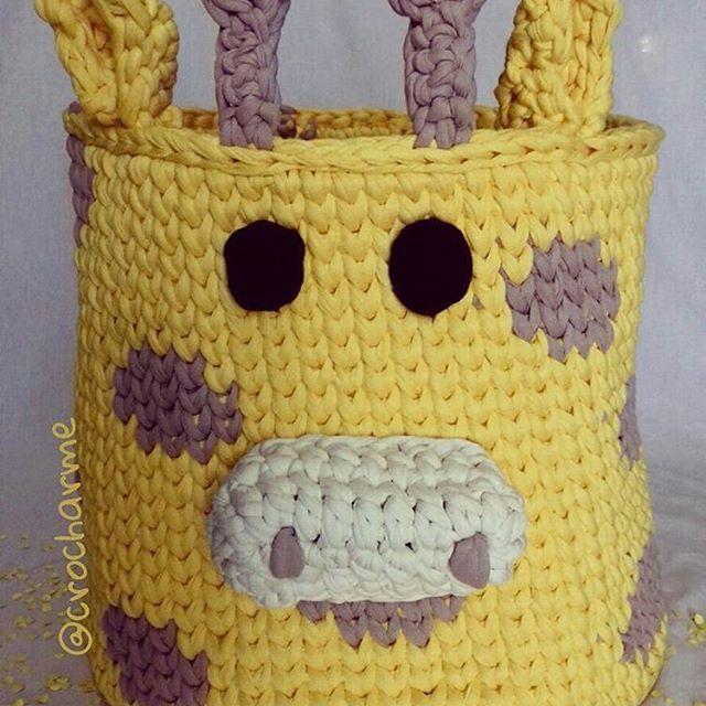 @Regrann from @crocharme - Aí aí o crochê e seus várias possibilidades! Tô muito in love com essa girafa então além de vídeo tem fotinho! . Obs: pedidos e informações direto c a artesã @crocharme #cestodecroche #decoracaodeinteriores #quartomenino #quartomenina #croche #crochetart #tshirtyarn #knit #knitting #trapilho #trapillo #fiodemalha #instadecor #instadesing #crochet #cestocroche #cestoorganizador #cestobrinquedos #brinquedos #girafa #cestogirafa #girafacrochet - #regrann