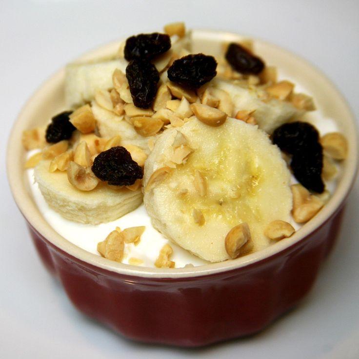 Side by Side Nutritional Comparison of Greek Yogurt | POPSUGAR Fitness