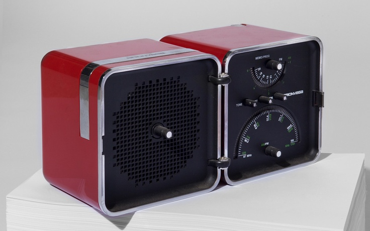 Cubo radio by Marco Zanuso and Richard Sapper for Brionvega