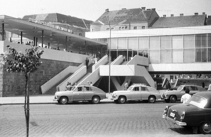 A Déli pályaudvar, 1967-ben, a mostani formája előtt eggyel. Fotó: Gergely János, forrás: fortepan.hu