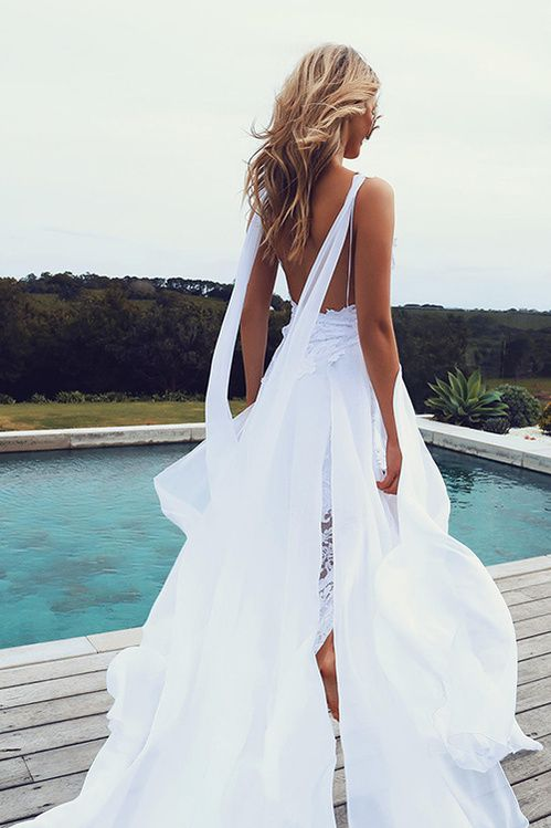 La robe de mariée The Hollie de Grace Loves Lace, la plus partagée sur Pinterest