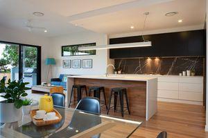 Kedron kalka display home. Pietra Grey Stone splashback to kitchen.