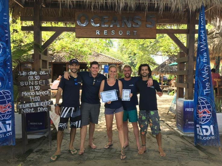PADI 5 Star Career Development Center Oceans 5 completed the Professional Image Evaluation. We passed! Congrats to the staff! Hupla!  #padi #scuba #diveresort #giliair #indonesia #diving