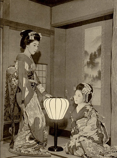 Japanese vintage picture : geisha girls