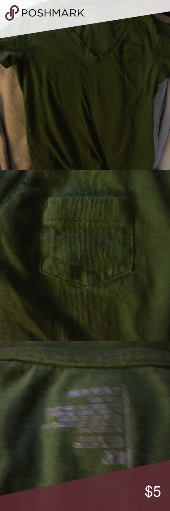 Old Navy tee shirt Green Old Navy tee shirt with a small pocket on the left side. Old Navy Tops Tees - Short Sleeve