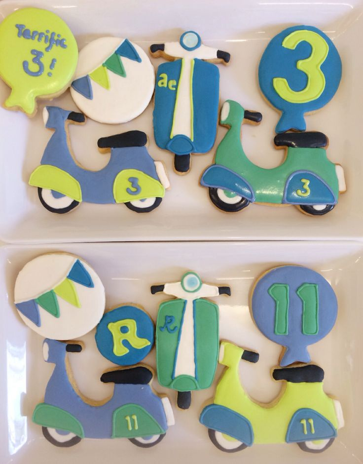 Scooter cookies for the scooter-themed party!