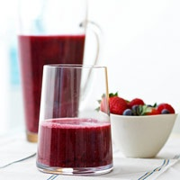 Cherries, strawberries and pomegranate juice...all the best berries in this smoothie
