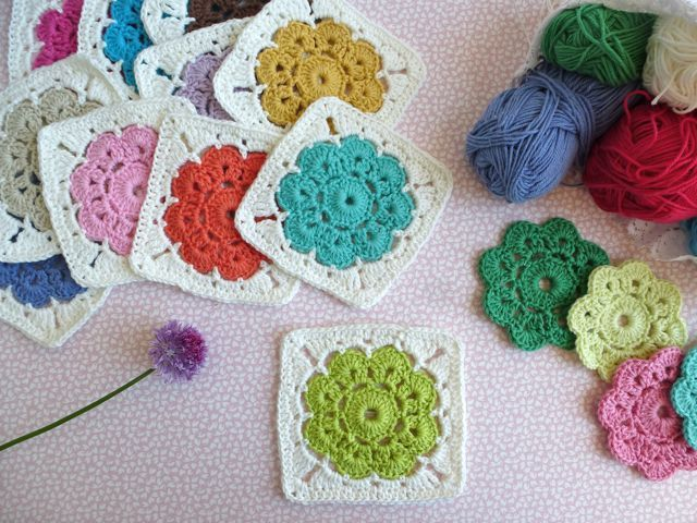 Crochet the Maybelle flower and square. Special edition - Instructions in Swedish!  Virka Maybelle-blomman och - rutan på svenska.