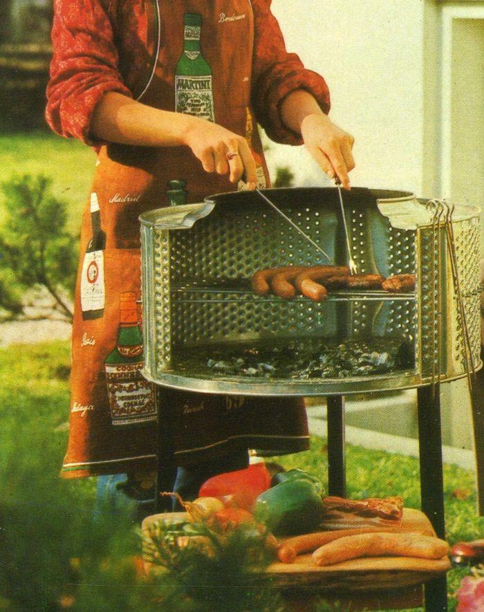 Este asador se utiliza tanto en un jardín como en una terraza y su coste es mínimo, pues se ha hecho con el tambor de nuestra antigua lavadora automática,   http://www.trucosymanualidades.com/
