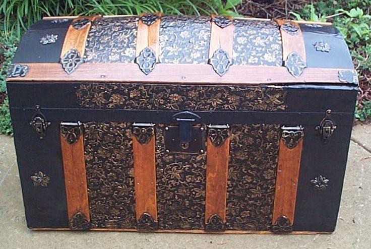 Front - Antique Trunk #378