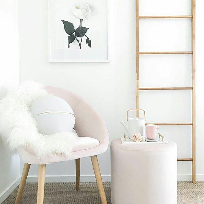 Schön Die Besten 25+ Pink Ottoman Ideen Auf Pinterest Akzentstühle   Leseecke  Gestalten Wohlfuhl Atmosphare