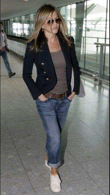 Jennifer Aniston jean boyfriend