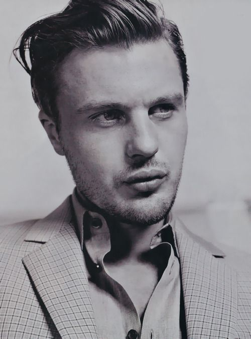 Michael Pitt, Boardwalk Empire His lips are cRaZy!