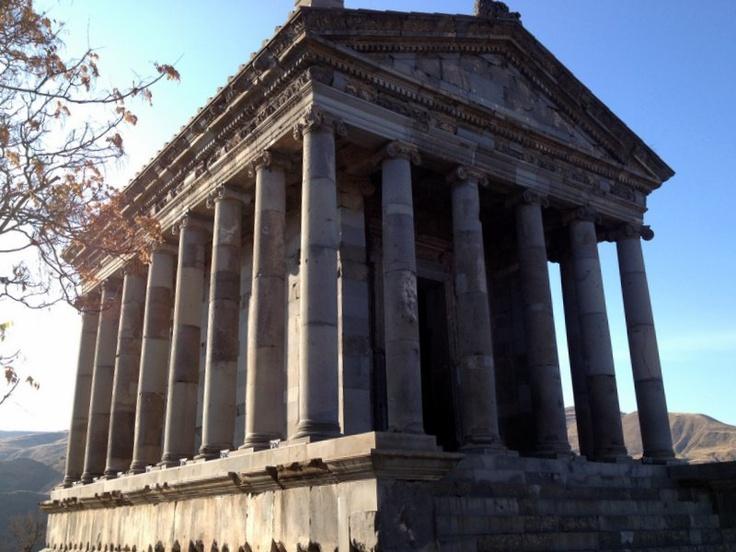 Der Mithras-Tempel in Garni, Armenien  Garni love to there for a Sunday drive                                                                                                                                                                                 Mehr