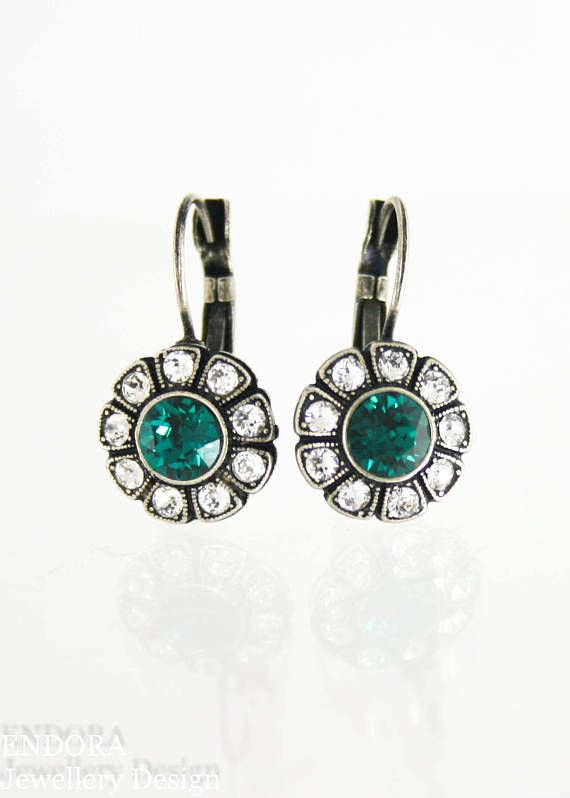 Vintage style emerald earrings | emerald earrings | vintage style bride | vintage wedding | www.endorajewellery.etsy.com