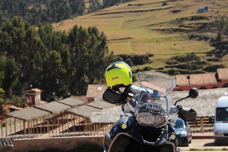 #Paisajes imponentes y perfectos para admirar sintiendo la suave brisa del ambiente  del camino que une a #Arica con #Peru. http://motoaventura.cl/viajes.php?lang=