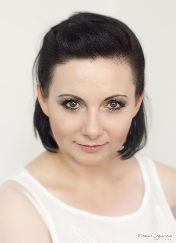 Fotograf: Robert Szymczak  Modelka: Katarzyna Blachowska MUA i stylizacja: Marta Lityńska  Polub mnie na Facebooku: https://www.facebook.com/MartaLitynskaMSB  A to mój Instagram: https://instagram.com/martasarablanka