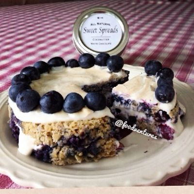 Ripped Recipes - Blueberry Pie Oat Cake  - I don't know why people always say oats are boring! This oat cake is definitely not boring nor is it lacking in flavor. My 8 year old neighbors can even attest to its deliciousness. Make it the night before and you have breakfast ready to go come morning!