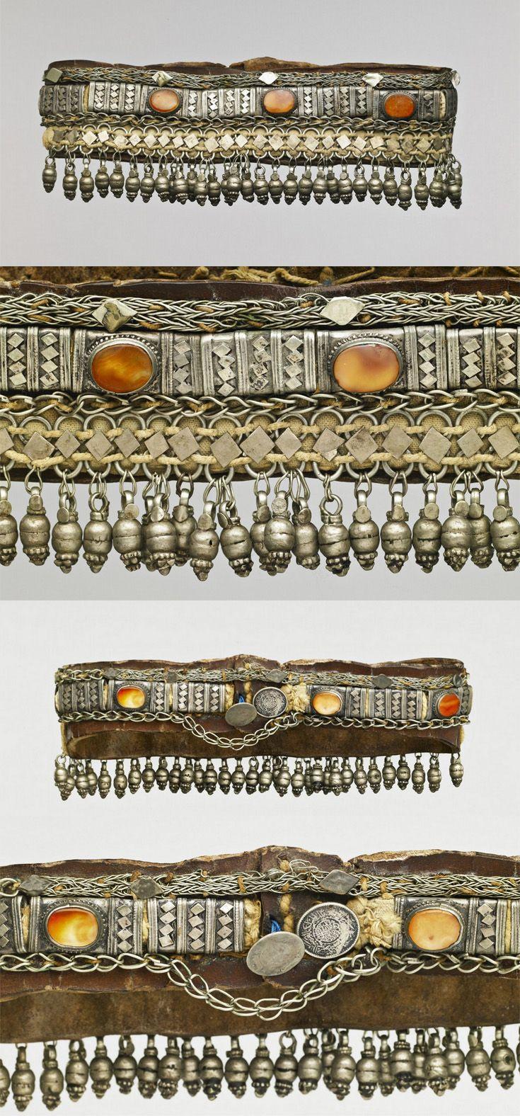 Yemen | Woman's headdress; silver, carnelian cabochons, leather.  ca. early 20th century | © Musée du quai Branly