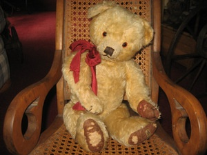 """Corky"" Early Merrythought Antique Teddy Bear, England circa 1930  Selling Antique Teddy Bears From Around The Globe (AntiqueTeddyBearCrossing.com)"