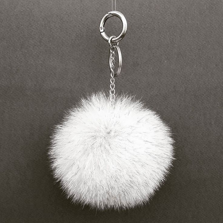 If you like to buy one of our products please visit our etsy shop (link in bio) #white #fur #pompom #keychain #keyring #new #style #handmade #jewelry #handmadejewelry #modern #etsy #bag #bagpack #leatherbag #accessories #gift #woman #love #worldwide #summertime #summer #must