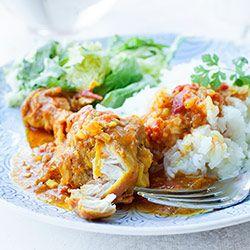 Udka kurczaka w pomidorowym sosie curry