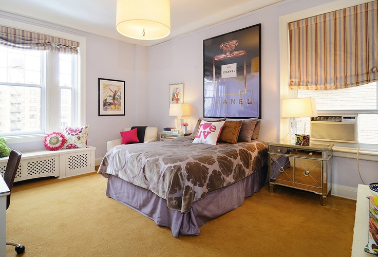 375 West End Avenue, Apt. 11D  Upper West Side, Manhattan: Originally, two separate units, apartment #11C and D were beautifully combined to create a striking, sunny and grand-scaled corner seven-room home high atop West End Avenue. The gracious and well-proportioned layout boasts three bedrooms, three full baths, an open loft-like living / dining room, open eat-in kitchen, den-media room, study and grand entry foyer. The flexible floor plan can easily accommodate a fourth bedroom if…