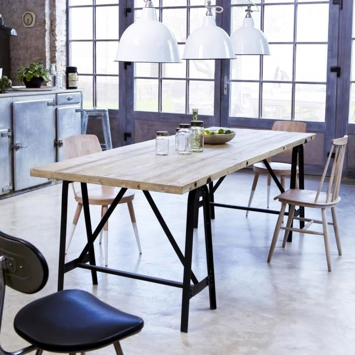 Table avec plateau bois et pied métal tréteaux