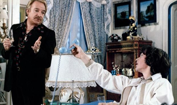 Le Cage Aux Folles (1978) Everything is a performance for lovers Renato (Ugo Tognazzi) and Albin (Michel Serrault); the owner of a cabaret show and its outrageous star. (French)