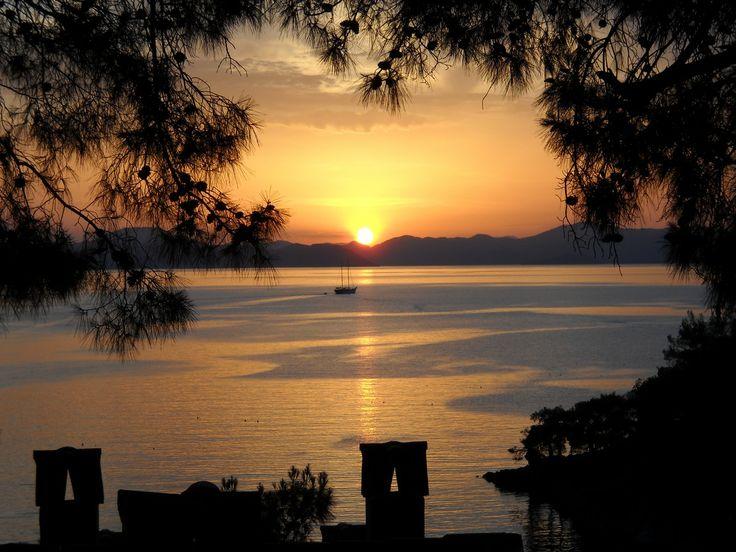 Uitzicht van hotelkamer, mooie zonsondergang. De meest romantische vakantie met mijn vriend, we zouden graag nog eens terug gaan. Meer weten over deze bestemming? http://to.kras.nl/Pinterest_Turkije