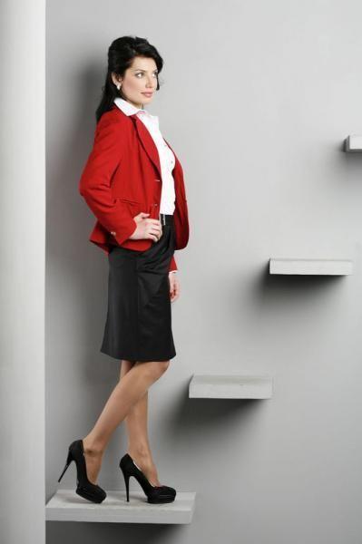 Красный пиджак mary kay фото