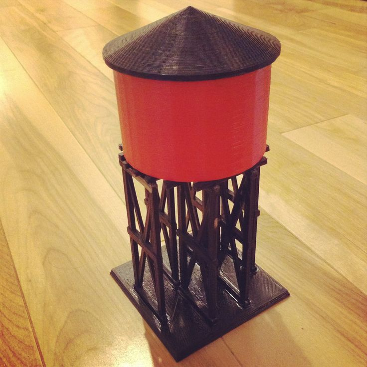Water tower modelled by Yvan. Printed in ABS   S scale to go with an old American Flyer trainset from 1953.