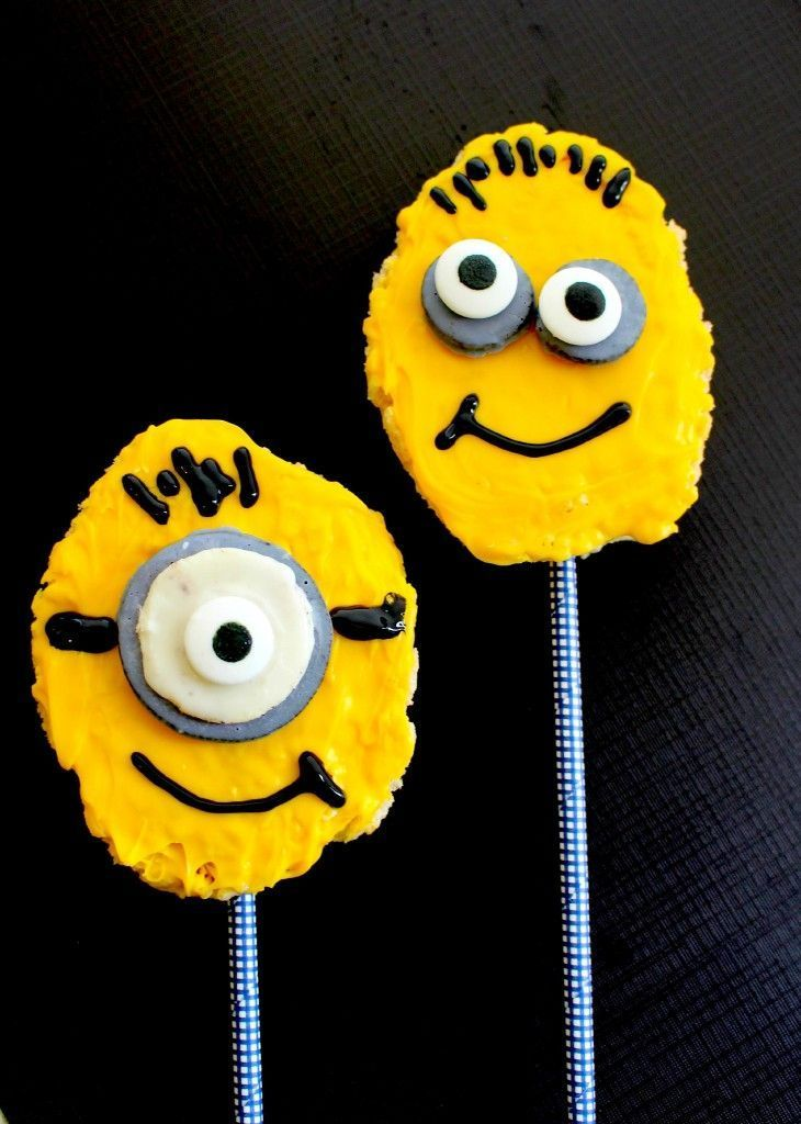 EASY & fun Kid's Minions Snack from the Despicable Me movie made from Rice Krispies! Recipe & step by step tutorial included how to make these cute Minion treats in the kitchen - great for kid's birthday and classroom parties!