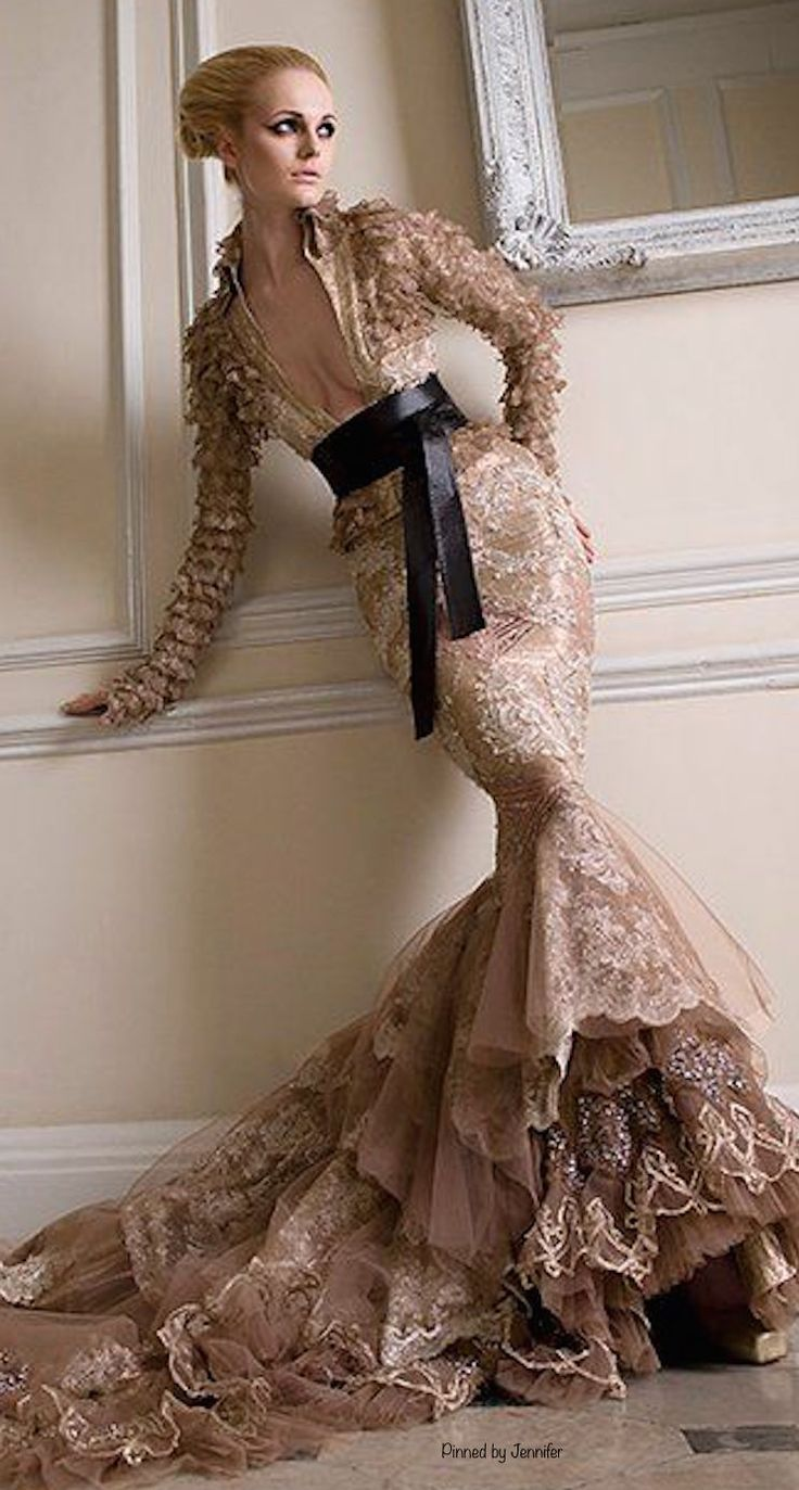 Pin by cup cake on hips have it pinterest wedding for Wedding dresses for big hips