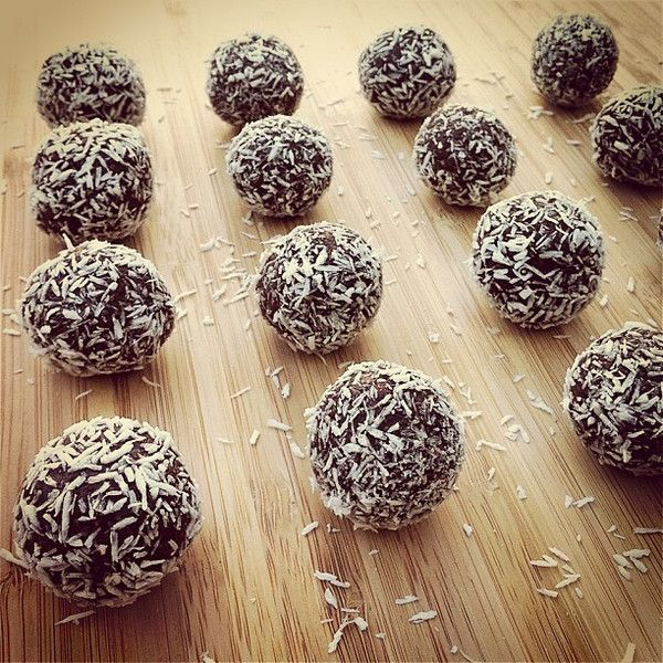 Cacao Coconut Superfoods Balls, adapted from Buffy Gill  1c raw nuts - cashews/macadamias work best 1/3c raw cacao powder 1/3c dry coconut flakes 1 Tbsp chocolate brown rice/pea protein 2tsp mesquite 1tsp maca 1/2tsp vanilla powder 1c dates (use Candida approved sweetener) 1Tbsp chia seeds soaked in 2Tbsp h20 15min 2Tbsp melted coconut oil 1Tbsp maple syrup